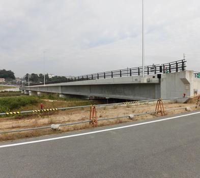 一般県道亀山安濃線道路改良(鹿島橋橋梁上部)工事